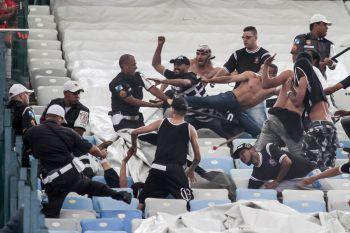 42 torcedores corintianos foram presos após briga; 11 são liberados