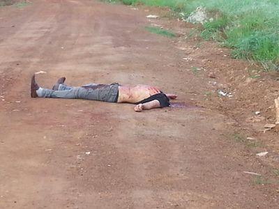 Corpo é encontrado sem a cabeça em estrada