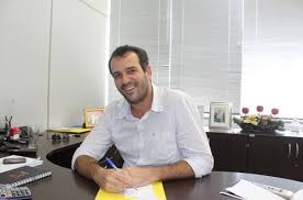 prefeito Renato cumpre as promessas e melhora a vida do povo de Goianésia