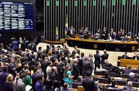 Deputados aprovam brecha para liberar indicações políticas nas empresas estatais