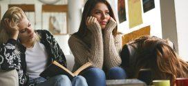 Índice de troca ou abandono de curso em faculdades equivale à metade dos ingressantes