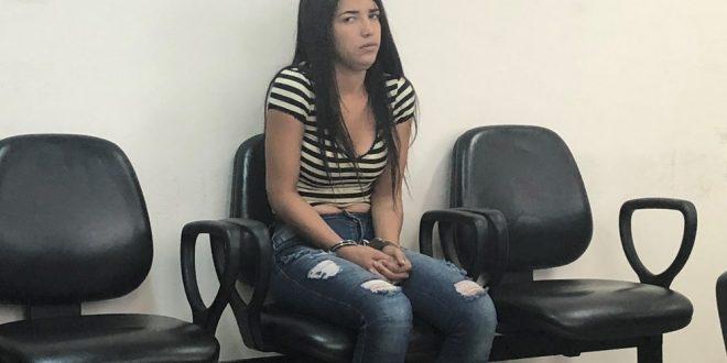 Juiz diz que antecedentes são 'espantosos' e mantém presa jovem de 18 anos que afirma ter 20 passagens pela polícia, em Goiás