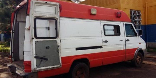 Ambulância de Goianésia é flagrada transportando alimente em condições irregular em nota a prefeitura de Goianésia esclarece