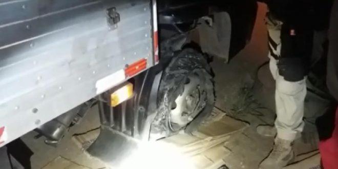 Dezenas de veículos ficam com pneus estourados na BR -153 entre Jaraguá e Uruaçu