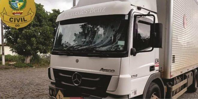 Polícia Civil de Jaraguá impede furto de caminhão com carga de defensivos agrícolas