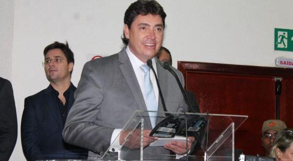 Governo assina instalação de 20 empresas em Goiás