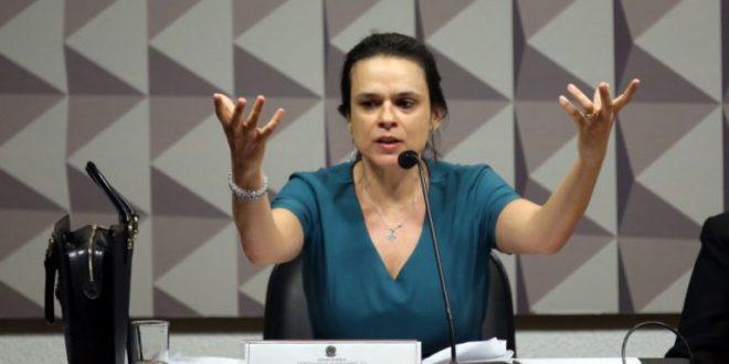 Irritada com Bolsonaro, Janaína Paschoal (PSL-SP) vai ao twitter criticar PSL