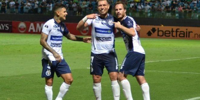 Vexame: Goiás perde para o Sol de América e está eliminado na Sulamericana