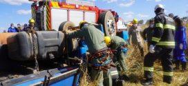 Três homens morrem após caminhão capotar na GO-319, em Hidrolândia