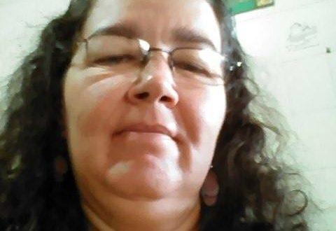 Mulher morre após colidir motocicleta no alambrado do estádio Valdeir de Oliveira