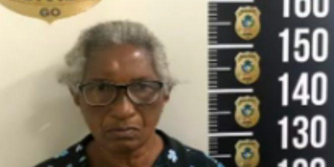 Idosa é presa suspeita de tentar sacar a aposentadoria de outra pessoa usando documentos falsos, em Goiânia