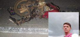 Mulher morre após colisão de moto com um carreta na BR-153 município de Nova Glória