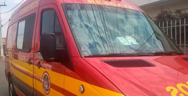 Acidente de trânsito entre moto e caminhão deixa uma pessoa ferida no Bairro Santa Tereza em Goianésia Goianésia