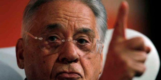 """Delcídio diz que esquema na Petrobras era """"semelhante"""" no governo FHC"""