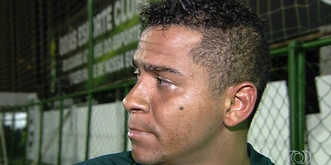 Após agredir colega, Walter deixa delegação do Goiás em Rio Verde