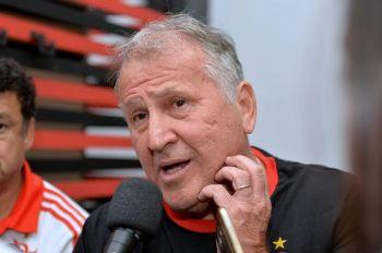 Zico critica expectativa no Flamengo e brincadeira sobre 'cheirinho de título'