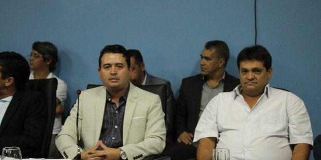 Sessão solene homenageia vários trabalhadores em Santa Rita do Novo Destino