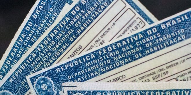 Governo de Goiás lança projeto de CNH gratuita para população de baixa renda