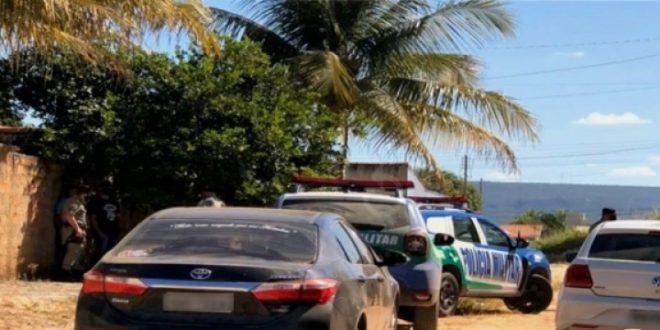 Mãe é morta com facada no pescoço por não revelar a criminosos onde o filho estava, diz polícia