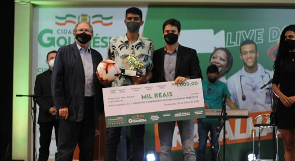 Prefeitura de Goianésia celebra o dia do trabalhador com live e premia vencedores do 1º Campeonato de Embaixadinha Freestyle
