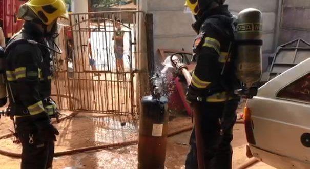 cilindro de acetileno pega fogo em uma oficina no Jardim Esperancça em Goianésia