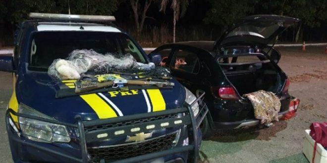 Caçadores são presos pela PRF com arma, munições e material predatório na BR-153 em Uruaçu